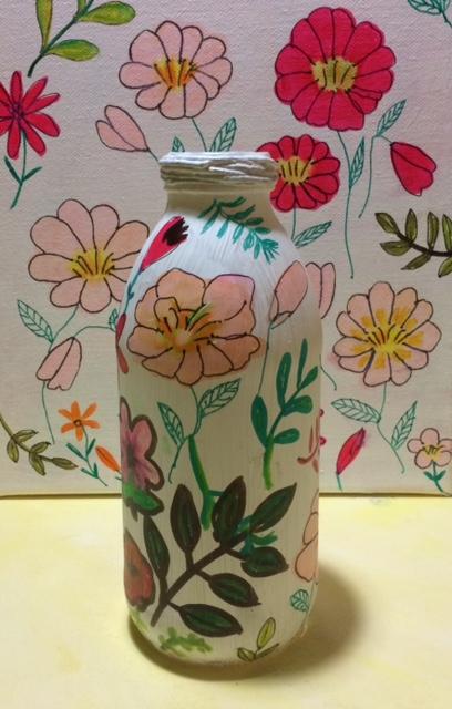 Bouteille peinte pour faire un vase sur votre blog DIY, creapassion.ch